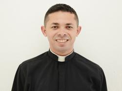 Padre Elenildo Pereira