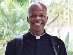 Padre Edison de Oliveira