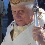 Papa canoniza Frei Galvão e quer fiéis com