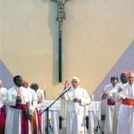 O bispo é o catequista por excelência, afirma Papa na África