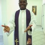 Padre angolano que vive no Brasil fala sobre visita de Bento XVI