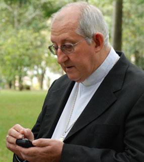 Bispos usam novas tecnologias na assembleia da CNBB