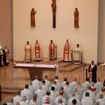 Bispos participam de Missa Maronita na Assembleia de Itaici