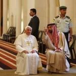 Bento XVI pede fim da manipulação ideológica da religião
