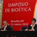 Estrutura da bioética e início da vida são debatidos no evento