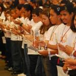 Mil crianças fazem primeira comunhão no CEN 2010