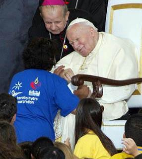 João Paulo II: o Papa que tocou o coração dos jovens