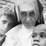 Fiéis viajam de todo o Brasil para beatificação de Irmã Dulce