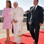 Bento XVI chega ao México e é recebido calorosamente pelo povo