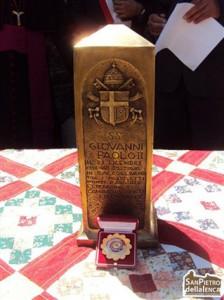 Arcebispo pede que relíquia de João Paulo II seja restituída