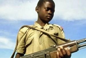 Crianças sequestradas são obrigadas a servir milícias rebeldes