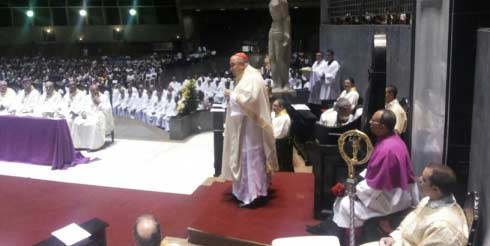 Após retornar ao Brasil, Cardeal Orani celebra Missa no RJ