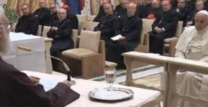 Doar-se como Cristo na Eucaristia, convida Cantalamessa