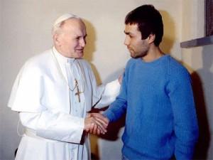Pistola que alvejou João Paulo II enviada à Polônia1