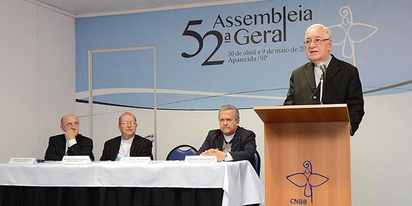 Em coletiva, bispos divulgam mensagem aos trabalhadores