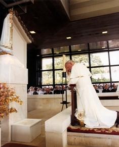 O Papa de Fátima:saiba como foram viagens de JPII a Portugal