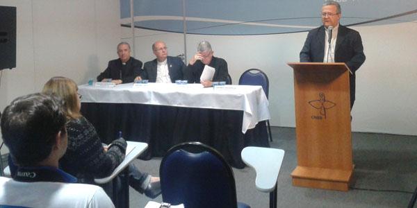 Família é um dos assuntos debatidos por bispos