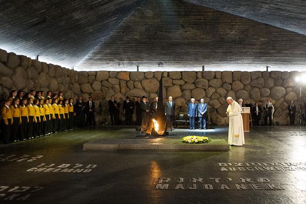 papa_memorial holocausto