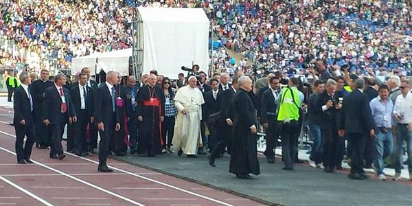 Papa à Renovação Carismática: unidade e aproximação a pobres