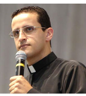 Padre Anderson Marçal