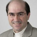 Padre Joãozinho explica sentido do exame de consciência