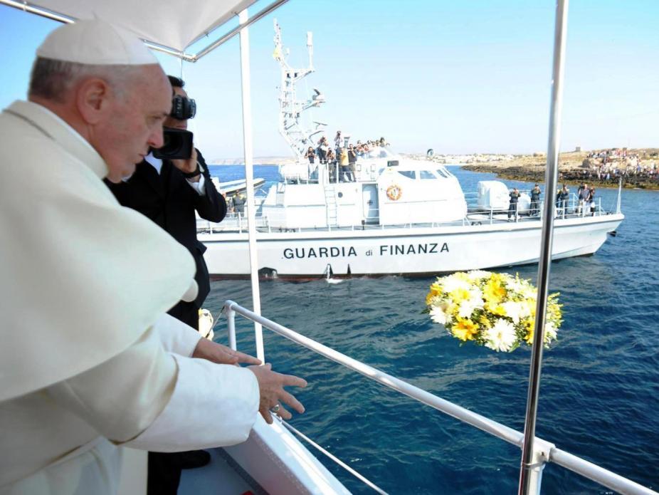 Papa lamenta lógica da indiferença diante dos naufrágios de imigrantes