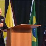 Monsenhor Jonas participa do segundo dia de Congresso da RCC