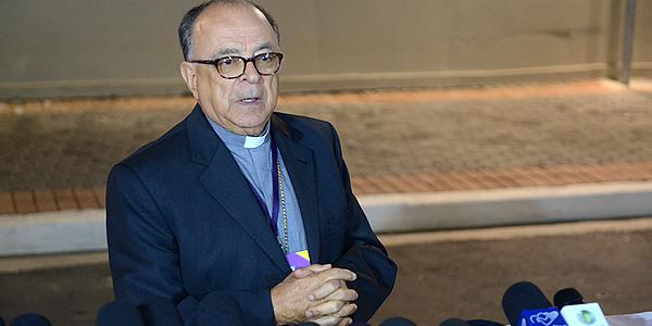 Após o debate com os presidenciáveis, o Cardeal Raymundo Damasceno concedeu entrevista aos jornalistas / Foto: Daniel Mafra - Canção Nova