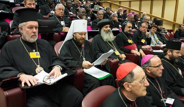 Na 12ª Congregação Geral, padres sinodais apresentaram ao Papa os relatórios das discussões aprofundadas / Foto: L'Osservatore Romano