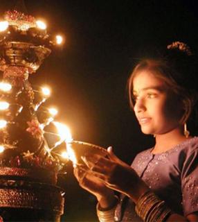 Festa hindu do Deepavali simboliza a vitória da luz sobre as trevas / Foto: Rádio Vaticano