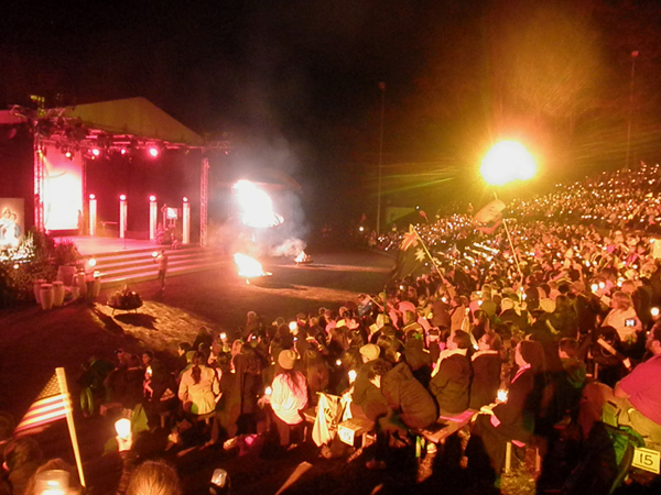 Vigília na Arena dos Peregrinos, em Schoenstatt / Foto: Angela Cabel