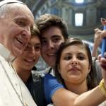 Especialista explica como católicos devem usar novas mídias