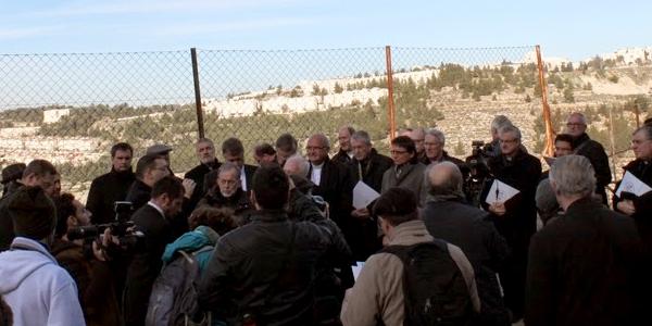 Bispos visitaram o Vale de Crémissan para constatarem a evolução do projeto do Muro de separação / Foto: Patriarcado de Jerusalém