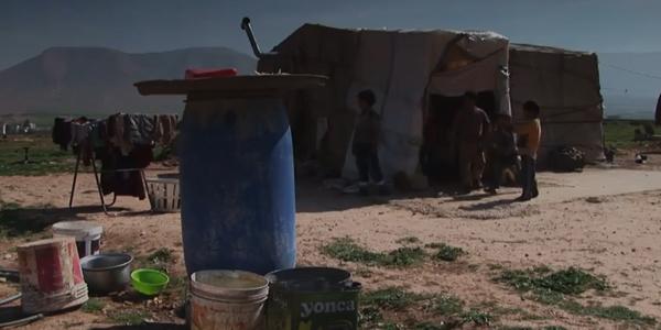 Na Síria, conflitos que se estendem desde 2011 afetam a população, que se refugia em outros países / Foto: Reprodução Youtube – Fundação AIS