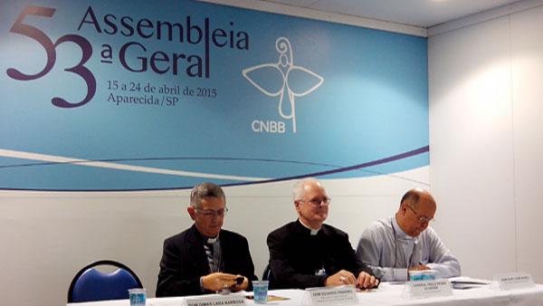 Da esquerda para a direita: Dom Eduardo, Dom Odilo e Dom Darci, presentes na coletiva de hoje / foto: Jéssica Marçal
