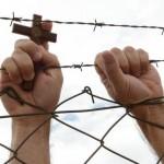 Padre avalia a perseguição aos cristãos no mundo