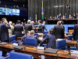 Senadores reunidos em plenário no último dia 19 / Foto: Agência Senado