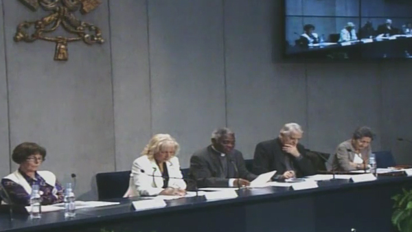Representantes de organizações femininas e membros do Vaticano durante coletiva à imprensa nesta quinta-feira / Foto: Reprodução CTV