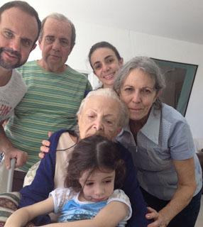 Quatro gerações reunidas na família de Beatriz / Foto: Arquivo pessoal