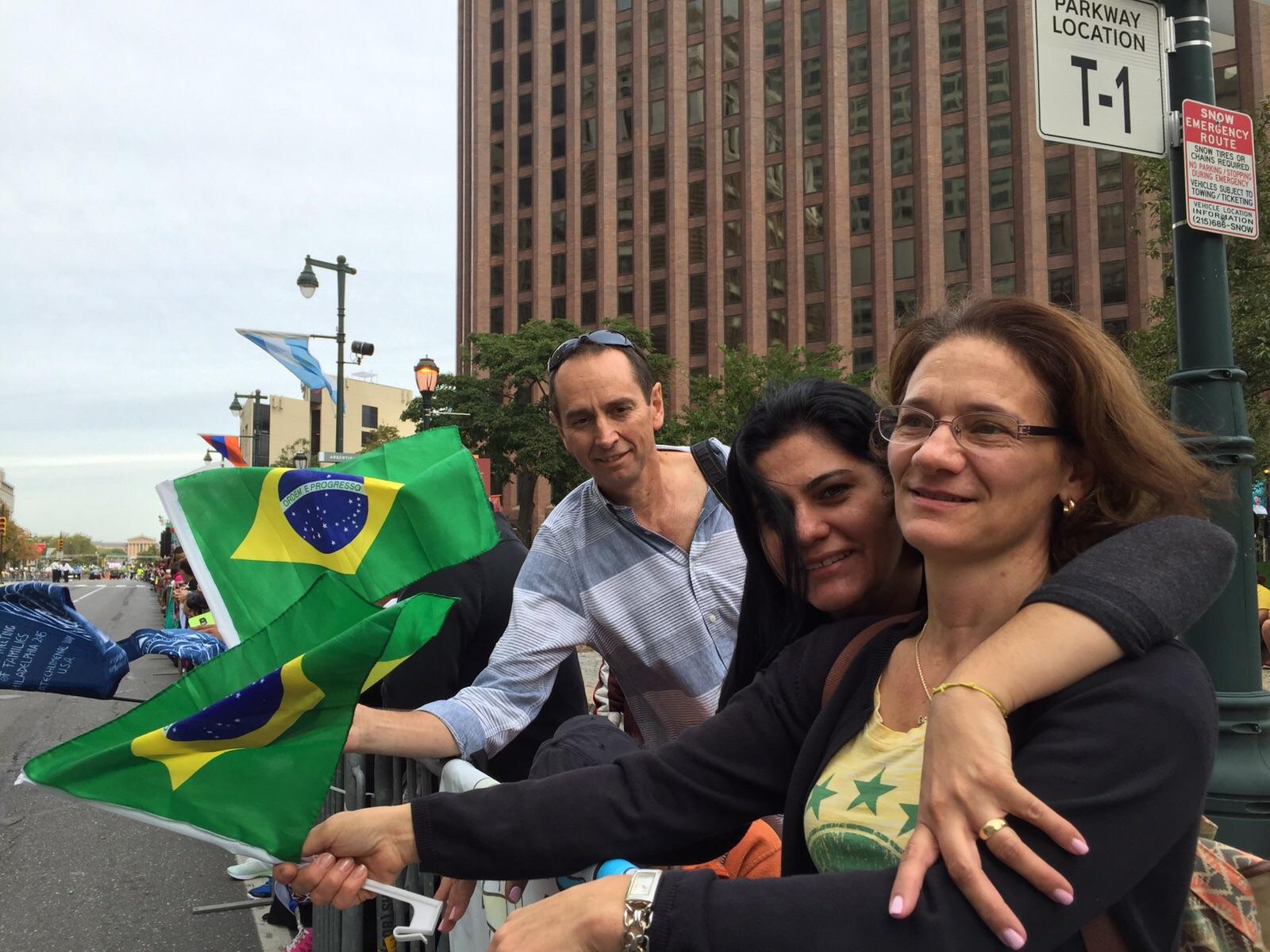 Brasileiros marcam presença no Encontro Mundial das Famílias