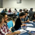 Projeto de estudantes da Unifesp ensina português a refugiados