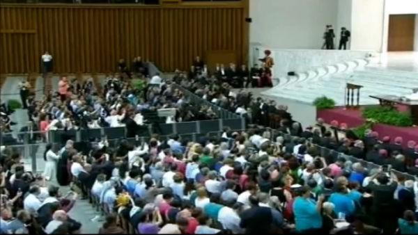 Papa Francisco com os catequistas no Congresso Internacional de Catequese. Reprodução: CTV