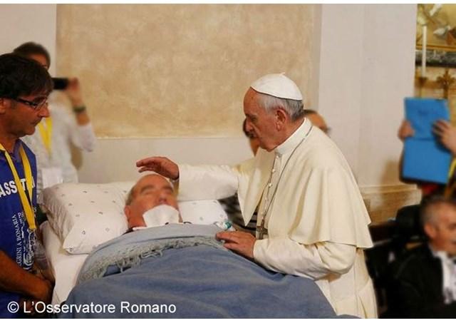 Os doentes nunca são meros objetos, eles têm dignidade, reitera Papa na mensagem / Foto: Arquivo - L'Osservatore Romano