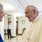 Papa fala sobre refugiados e sociedade atual em entrevista