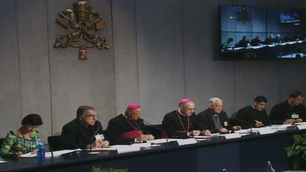 06/10 - Coletiva de imprensa no Vaticano informa andamento do Sínodo