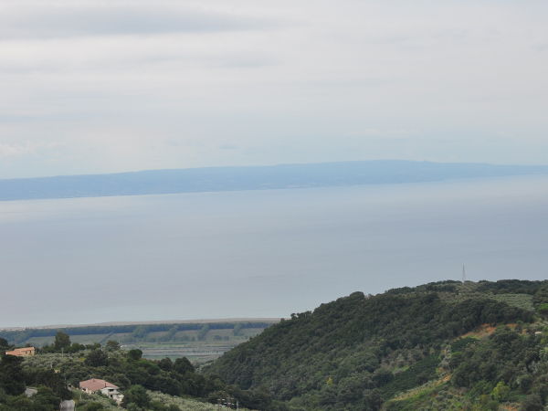 Mar Mediterrâneo na região de Lamezia Terme, cidade italiana da Calábria / Foto: Danusa Rego - CN Roma