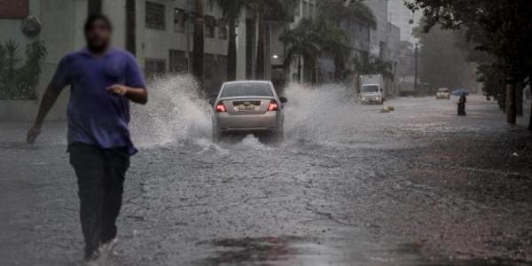 Ruas em São Paulo alagadas por causa das chuvas / Foto: Agência Brasil
