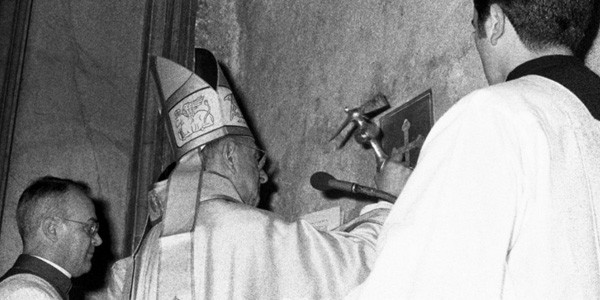 Paulo VI na abertura da Porta Santa em 1975/ Foto: L'osservatore Romano