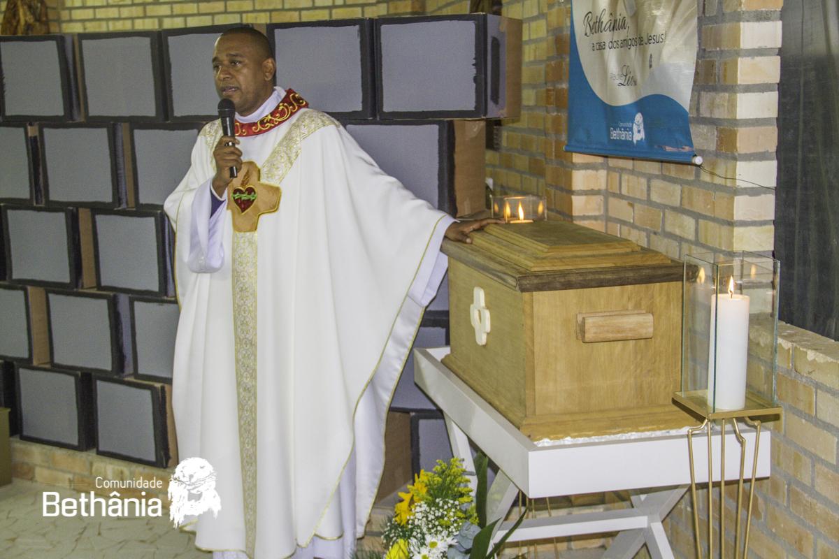 Restos mortais de Padre Léo são acolhidos na Casa Mãe da comunidade Bethânia, em São João Batista (SC) / Foto: Site Bethânia