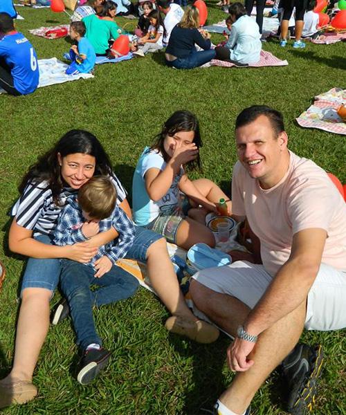 Família da Juliana reunida aproveitando as férias / Foto: Arquivo pessoal